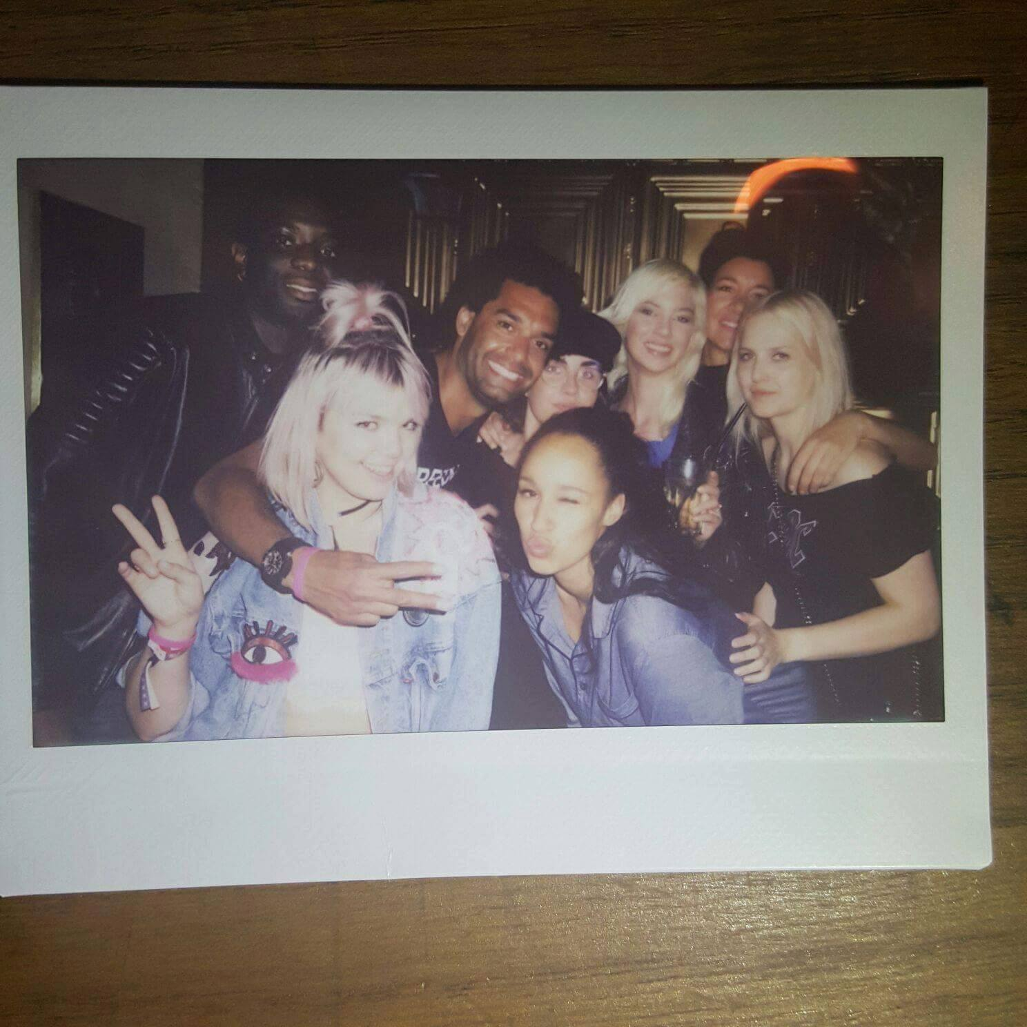 Who is that blonde photo diary